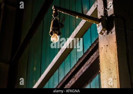 Sale vieille ampoule industrielle Banque D'Images