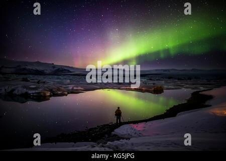 La prise de photos d'aurores boréales au jokulsarlon, breidarmerkurjokull, calotte de glace, l'islande vatnajokull Banque D'Images