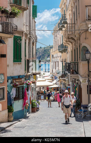 Lipari, Messine, Sicile, Italie, Europe. alley sur Lipari Banque D'Images