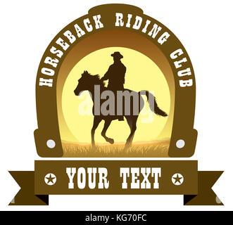 Cowboy et son cheval au galop silhouette contre fond coucher de soleil Banque D'Images