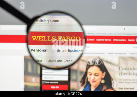 Milan, Italie - 10 août 2017 : Wells Fargo accueil du site. c'est un american international banking and financial Banque D'Images