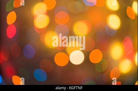 Maison de vacances orange et rouge. bokeh abstract fond de Noël, Noël lumières fond Banque D'Images