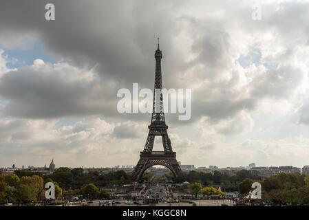 La tour eiffel vue du Trocadéro en octobre Banque D'Images