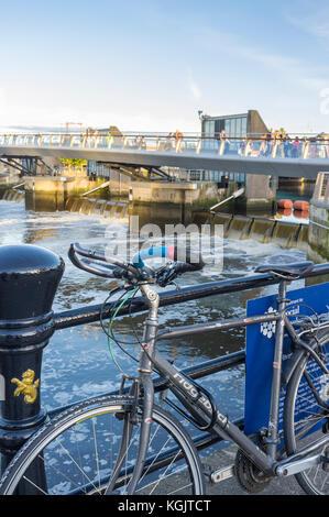 Location fixé sur les rails près de lagan weir, Belfast Banque D'Images