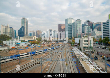 Le trafic ferroviaire ktx de Séoul dans la ville de Séoul, Corée du Sud. Banque D'Images