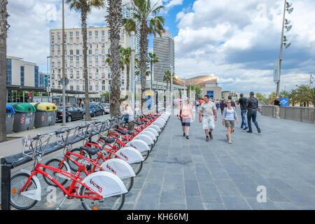 La Barceloneta - la célèbre plage à Barcelone Banque D'Images