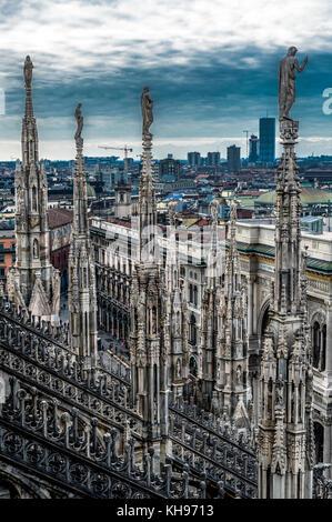 L'Italie. La Lombardie. La cathédrale de Milan, le Duomo di Milano, l'une des plus grandes églises du monde. Les Banque D'Images