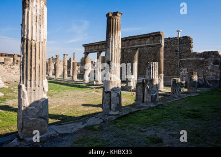 Le Temple d'Apolloat Pompéi près de Naples et de Mt. Le Vésuve, Campanie, Italie. Banque D'Images