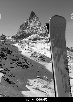 Zermatt Matterhorn Glacier Peak Ski en Suisse Swiss Alpes saison hiver neige hiver ski Location ski Voyage Banque D'Images