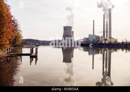 Une rivière reflet de john amos en Virginie-Occidentale winfield Banque D'Images