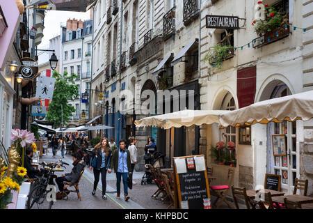 Bars et restaurants dans la vieille ville de Nantes, Loire Atlantique, France. Banque D'Images