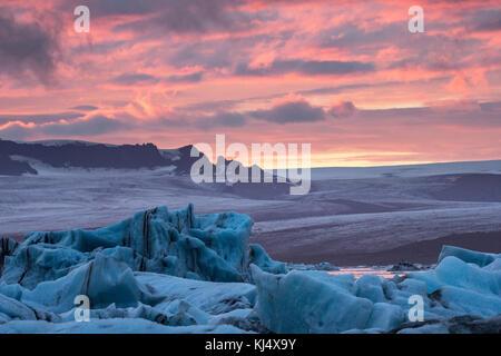 Lagune glaciaire sur la côte sud-est de l'Islande Banque D'Images