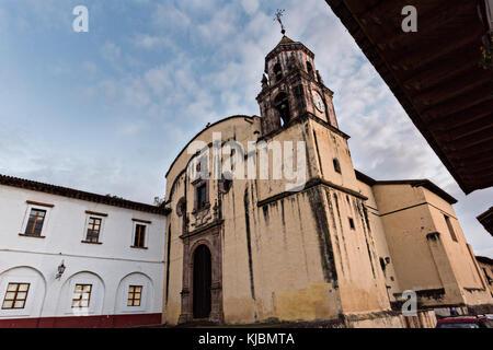 L'ancien couvent temple de la compagnie de jésus ou temple de la compañía de Jesús à Patzcuaro, Michoacan, Mexique. Banque D'Images