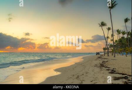 Lever de soleil à Punta Cana en République dominicaine. Banque D'Images