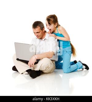 Père et fille boutique en ligne isolated on white Banque D'Images