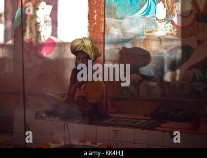 D'œil indien - 07/09/2010 - Inde / benares - le sage's dream. - Sylvain leser / le pictorium Banque D'Images