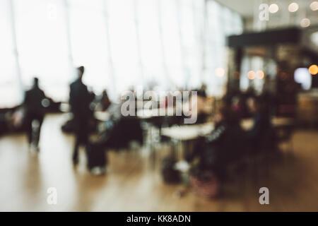Arrière-plan flou de personnes dans l'aéroport