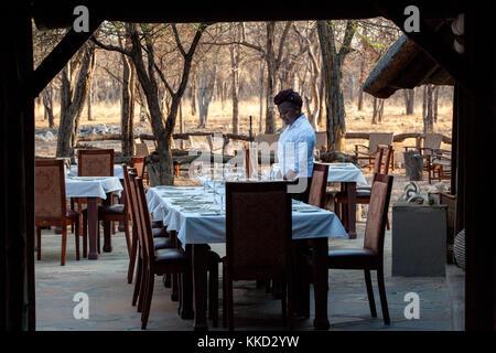 Coin repas extérieur à etosha aoba lodge, onguma game reserve, la Namibie, l'Afrique