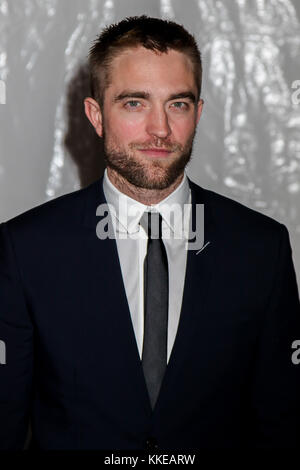 New York, NY - 27 novembre : Robert Pattinson assiste à l'IFP 2017 gotham awards au cipriani Wall Street le 27 novembre Banque D'Images