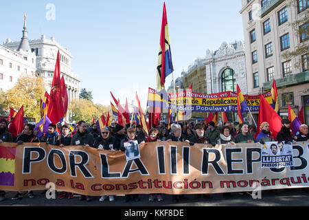 Madrid, Espagne. 6 décembre, 2017. principaux bannière de la manifestation qui a eu lieu à Madrid pour réclamer la 3ème république espagnole. © valentin sama-rojo/Alamy live news.