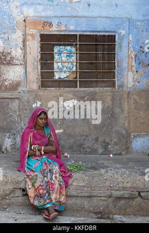 """JODHPUR, INDE, le 31 octobre 2017: Jodhpur est connu sous le nom de """"ville bleue"""" en raison de la couleur bleu qui ornent la plupart des maisons. Jodhpur est une popul"""
