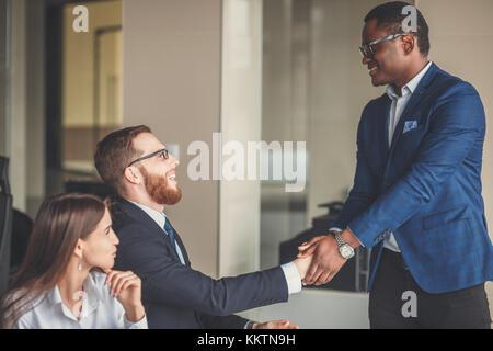Business people shaking hands, finir une séance Banque D'Images