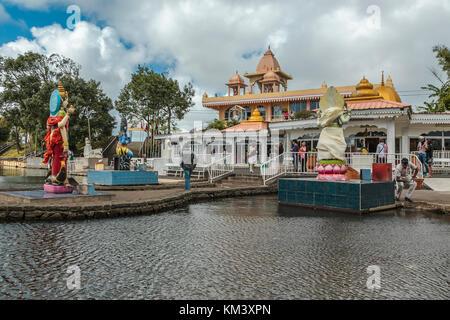 Temple hindou au lac sacré de Ganga Talao, Grand Bassin, Ile Maurice Banque D'Images