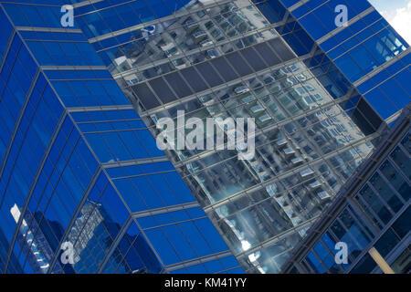 Vue abstraite des gratte-ciels de Chicago avec réflexions Banque D'Images
