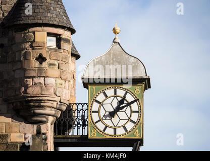 Réveil sur le péage canongate Royal Mile, Edinburgh, Ecosse, Royaume-Uni Banque D'Images