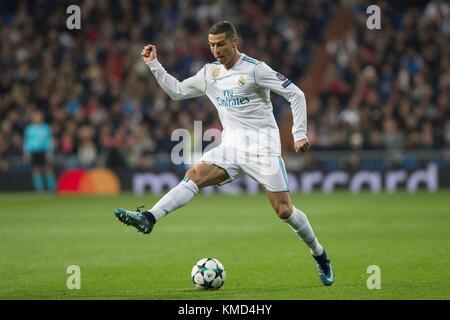 Cristiano Ronaldo du Real Madrid au cours de la 6ème manche de la Ligue des Champions phase de groupes match entre le Real Madrid et Borja Mayoral au stade Santiago Bernabéu Santiago à Madrid, Espagne, 06 décembre 2017. L'EFE/Rodrigo Jimenez