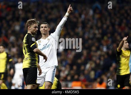 Madrid, Espagne. 6e Dec 2017. Cristiano Ronaldo du Real Madrid au cours de la Ligue des Champions groupe H match entre le Real Madrid et le Borussia Dortmund à Santiago Bernabéu, le 6 décembre 2017 à Madrid, Espagne. Credit: Manu Haiti/SOPA/ZUMA/Alamy Fil Live News