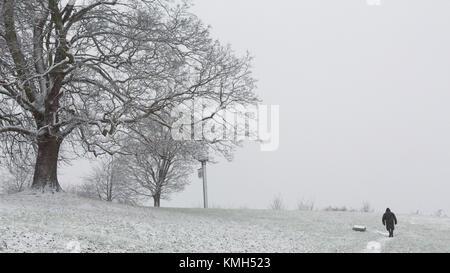 Gravesend, Royaume-Uni. 10 Décembre, 2017. Coulisses de Gravesend dans le Kent, où la neige est tombée ce matin. Banque D'Images