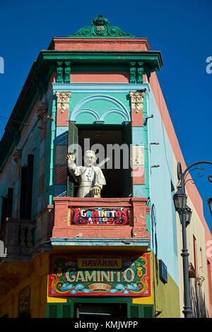 'Le pape' sur balcon par el Caminito, la Boca, Buenos Aires, Argentine, Amérique du Sud Banque D'Images