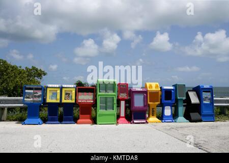 Rangée de boîtes à journaux dans la région de Florida Keys Banque D'Images