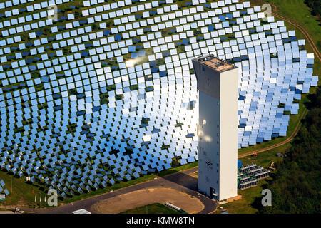Expérimental thermique installation solaire Jülich, four solaire, miroirs, miroirs solaires, Jülich, Jülich-Zülpicher Banque D'Images