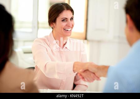 Ainsi, 48 % des femmes occupant un emploi sont concentrées dans quatre.