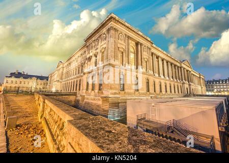Magnifique coucher de soleil couleurs de Paris. Banque D'Images