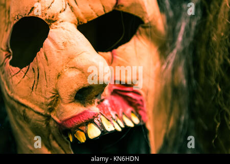 Masque de monstre effrayant Halloween Costume Prop Banque D'Images