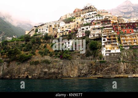 Paysage incroyable ville de Positano, sur la côte amalfitaine - Italie Banque D'Images