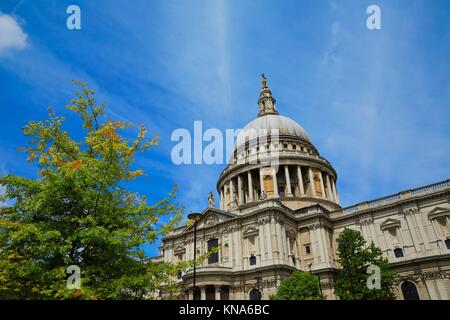 Paul London St Pauls Cathedral facade en Angleterre. Banque D'Images