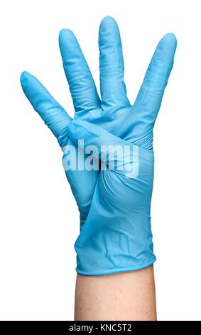 Gants en latex bleu à la main montrant quatre doigts isolé sur fond blanc. Banque D'Images