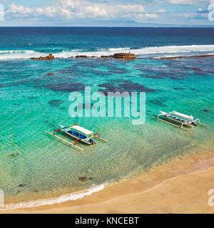 Vue aérienne de la baie de Mendira près de Candidasa village. Le sous-district de Manggis, Karangasem regency, Bali, Banque D'Images