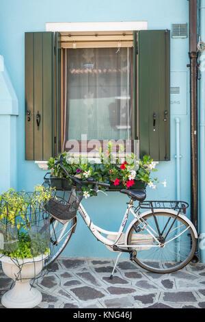 Une location de décoration dans le monde vlllage de Burano, Venise, Italie, Europe. Banque D'Images