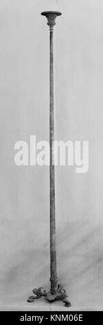 Candélabre en bronze (pied de lampe). Période: début de l'impériale; Date: ca. 1er siècle A.D, Culture: Roman; Banque D'Images