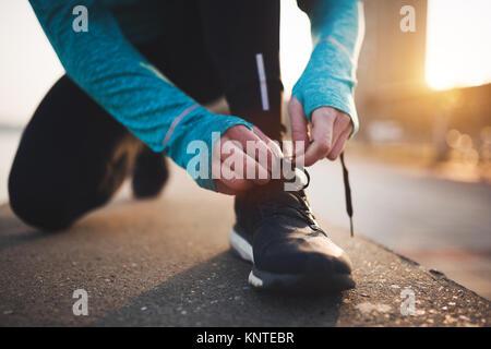 Le jogging et la course sont des reconstitutions de remise en forme Banque D'Images