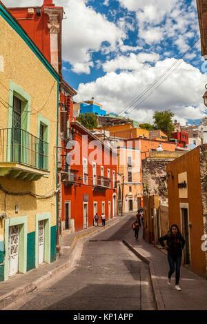 Scène de rue dans le centre historique de Guanajuato, Mexique. Banque D'Images