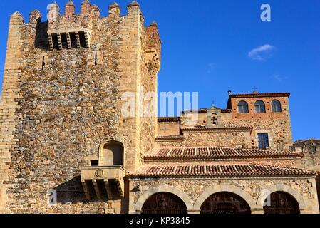 Hotel à Caceres, Tower of Bujaco et Ermita de la Paz, de la vieille ville de Caceres, UNESCO World Heritage, Estrémadure, Banque D'Images