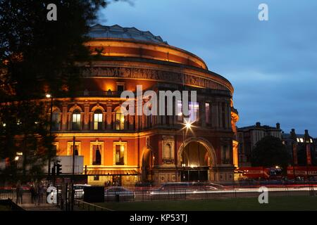 Royal Albert Hall, Londres, Angleterre, Grande-Bretagne; Grille de Kensington. Banque D'Images