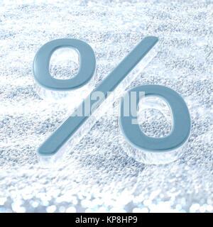 Un symbole de pourcentage sur une neige fraîche qui symbolise les promotions d'hiver Banque D'Images