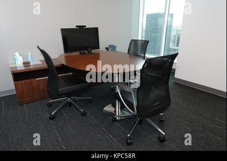 Petite salle de réunion d'un bureau de corpporate moderne situé au centre-ville.Salon. Banque D'Images